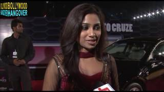 Shreya Ghoshal's Bo0bs EXPOSED -- WARDROBE MALFUNCTION