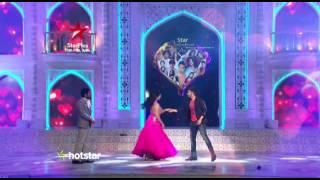 Star Valentines Day: Varun Dhawan flirts with Ishita!