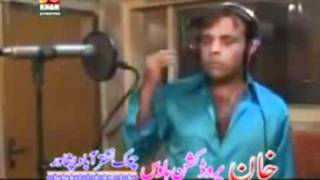 Pashto new song 2011 Jahangir Khan & Asma Lata {Mr. Khan can sing good}.mpg