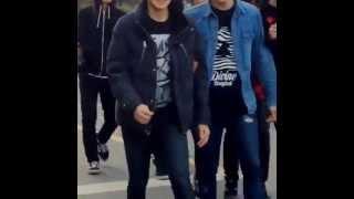 FANCAM  SMROOKIES Boys Taeyong, Johnny, Hansol, Yuta, Jaehyun & unknown rookies outside SM Building