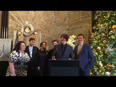 w/ Greatest Showman w/ Hugh Jackman, Zendaya, Zac Efron, Rebecca Ferguson and Keala Settle