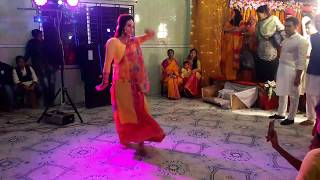 Dilbar Dilbar Dance Performance in Wedding 2018 Amazing Dance by Beautiful Girl