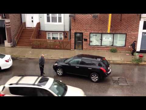 Real Hombre choca con tres autos luego de pelear con taxista