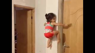 This girl is Super WoW!! A baby or amazing spider??!