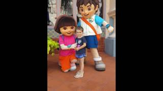 Sophia meeting Dora and Diego in universal