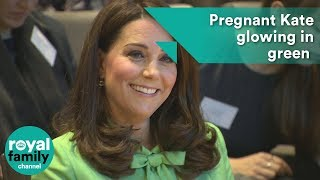 Pregnant Kate 'glowing in green' at meeting on mental health