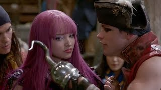 Dove Cameron ADMITS She Was Unprofessional During Decadents 2 Filming After Fan Called Her Out