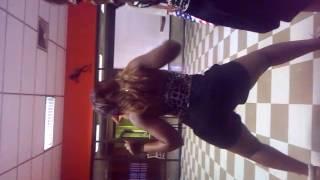 Mixxy twerks to Im Out - Ciara feat Nicki Minaj