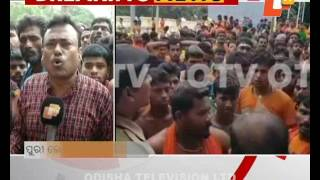 One injured as servitors   BolBom devotees clash at Puri Loknath temple