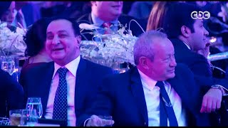 """شاهد .. محمد صبحي يقلد مالك قناة سي بي سي """"محمد الأمين"""" في مكالمة تليفونية"""