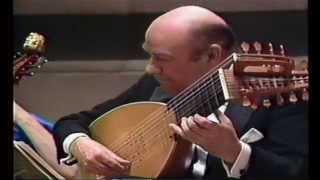 Julian Bream / Mounsier's Almaine by William Byrd