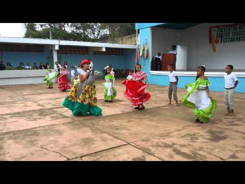 Baile la burriquita Grupo Escolar Padre Aldana