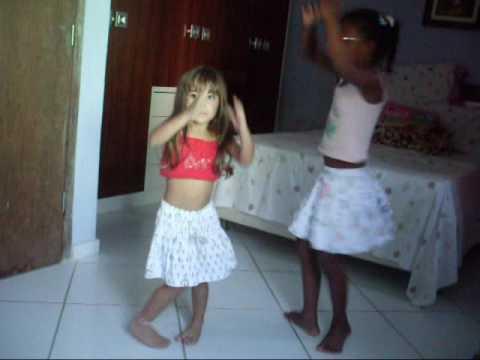 Gaby e kissila dançando adança do ventre kkk