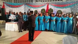 BWANA HARUSI ALIVYOANZISHA WIMBO MWENYEWE MPAKA RAHA..!
