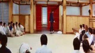 Bruce lee & Stephen chow - Fist of Fury(FUNNY!)