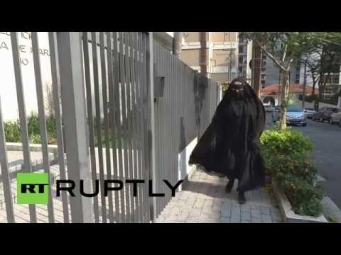 Brazil: Meet Gisele, the niqab-wearing thrash metal guitarist