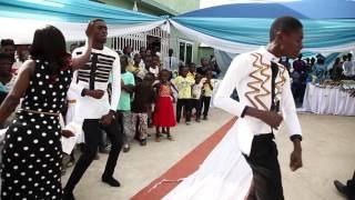 BENTUM FAMILY DANCE WITH EL KOKO