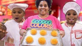 HOT CROSS BUNS! Goo Goo Gaga Pretend Play with Food and MORE