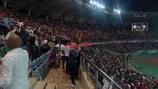 Shangwe za FA,  Manara, Mobetto na Salama Jabir baada Simba kuongoza 3 - 1 dhidi ya Sevilla