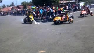 Vespa road race knalpot copot lucu banget