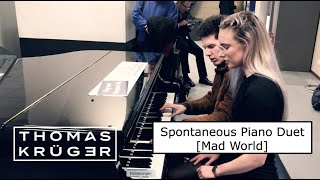 SPONTANEOUS PIANO DUET [Mad World] at Main Station Amsterdam – THOMAS KRÜGER