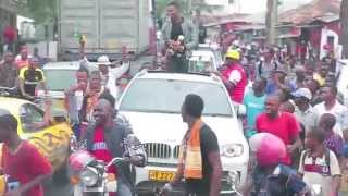 This is how Diamond  was Welcomed in Tanzania ,from Afrimma Awards-2014