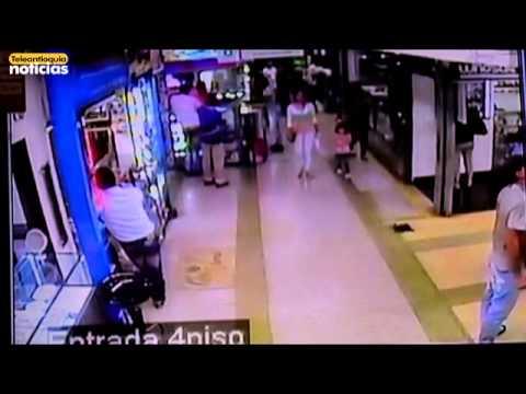 Millonario robo a centro comercial de Medellín