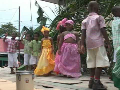 Acto cultural escuela Olympia Trejos Bº La Trinidad Limón.mp4
