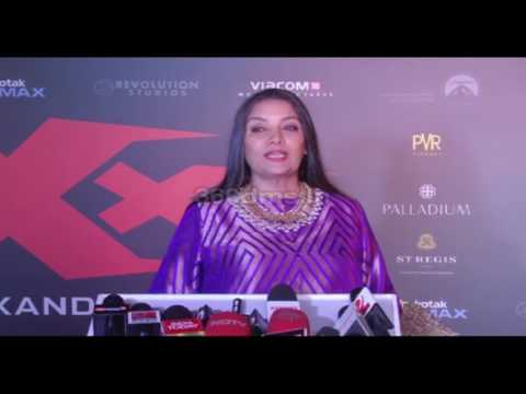 Xxx Mp4 Bollywood Actress Shabana Azmi At Red Carpet Premiere Of Movie XXX Return Of Xander Cage 3gp Sex