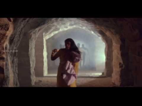 Rowdies Chase Pregnant Lady Action Scene    Killer Movie    Nagarjuna, Nagma