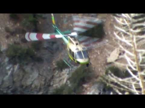 LASD Air 6 searches for the missing hiker after Montrose/AV S&R hear a whistle being blown..
