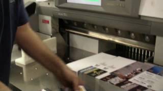 SonicPrint.com : Cutting a gangrun print job on a Polar 78 automatic cutter. How Gangruns are cut.