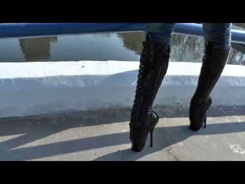 Xxx Mp4 Walking In Ballet Heels Park Bridge Full HD 3gp Sex
