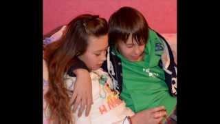 Кристина и Даня) Тусят на диване -D! видео от (DanChisFan)