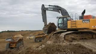 Deere 470G Loading ADT's