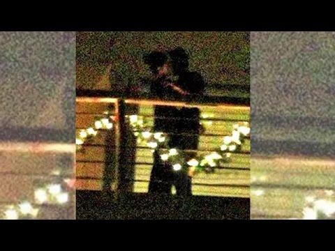 Katrina Kaif & Ranbir Kapoor Spotted KISSING In Balcony