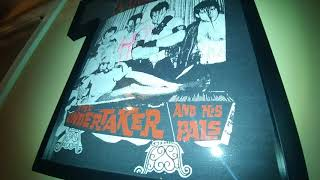 MISFITS THE UNDERTAKER AND HIS PALS AUTOGRAPHED TSHIRT FRAMED