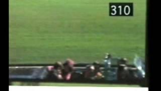 A John F. Kennedy LO MATO SU CHOFER VEAN EL DISPARO DEL CHOFER AQUI