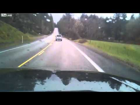 thechive com Idiot drunk driver filmed nearly causing multiple accidents Video   theCHIVE