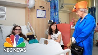 Queen Elizabeth Speaks With Bomb Victims As Manchester Holds Minute Of Silence | NBC News