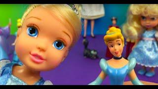 Cinderella Figurine Set Disney princess prince charming fairy godmother dolls DisneyToysReview