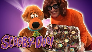 Scooby Doo shows you how to make chocolate cupcakes!