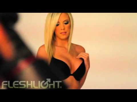Llubricant Presenta: Fleshlight Bibi Jones