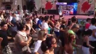 Limbo flash mob Mambojambo
