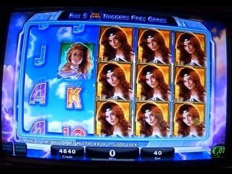 Gagner 2 Bonus avec des gains gagnant sur une machine à sous vidéo de casino.