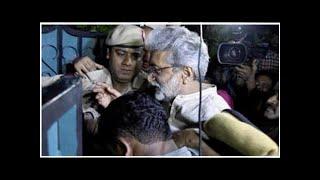 Cops asked us to keep bedroom door open and sleep: Gautam Navlakha