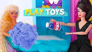 Magical Barbie Doll transform Barbie Girl to Rapunzel pink Bathroom * Morning Routine play baby doll