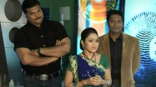 C I D Team with Taarak Mehta ka Ooltah Chashmah Team 7th July 2014 Video Update watch Online
