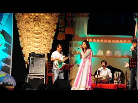 Shreya ghoshal singing