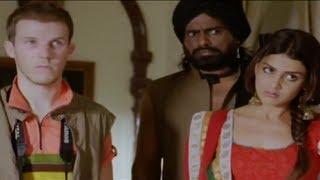 Mini saves the tourist - Atithi Devo Bhava - Tere Naal Love Ho Gaya Movie Scene